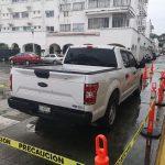 Alcaldesa de Manzanillo Exhibe camioneta en que fue baleada, hoteleros consideran mala imagen para el turismo