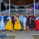 Candidatas a Reina de Villa de Álvarez realizan ambientada callejoneada